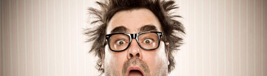 Man with glasses screaming - Kotz